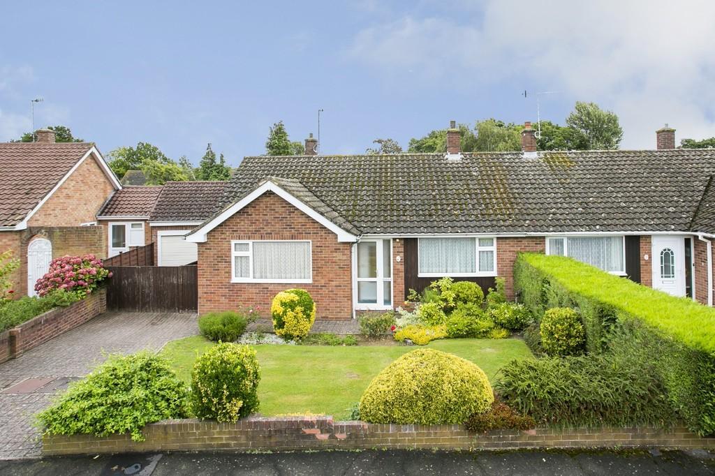 2 Bedrooms Semi Detached Bungalow for sale in Tonbridge