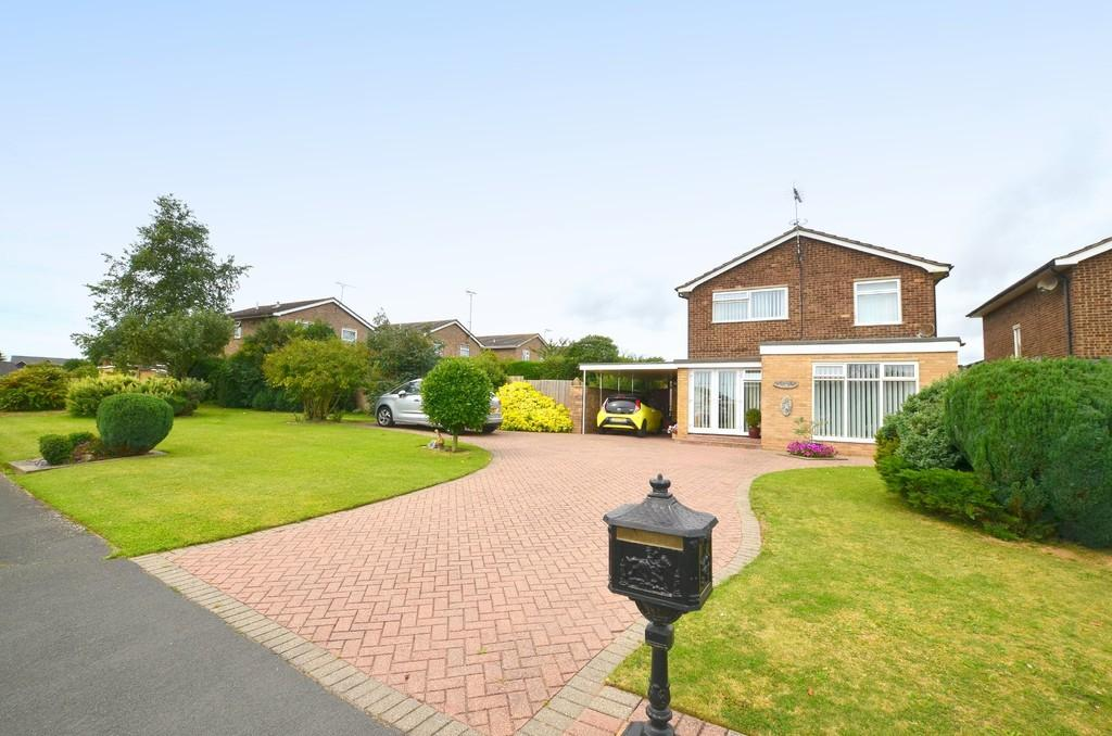 4 Bedrooms Detached House for sale in Meadowlands, Kirton, IP10 0PP