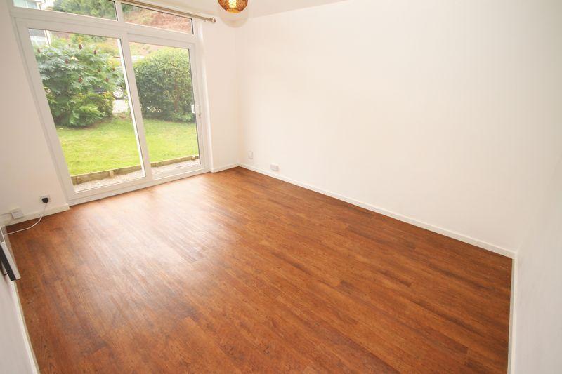 2 Bedrooms Apartment Flat for sale in Bridge Street, Penarth