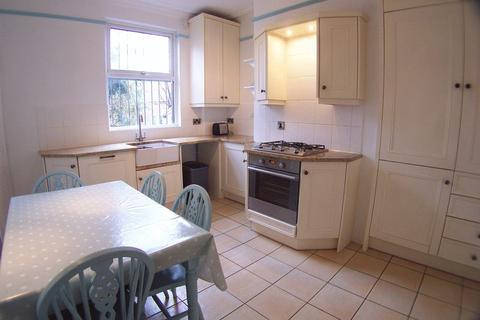 4 bedroom semi-detached house to rent - Knowle Road, Leeds