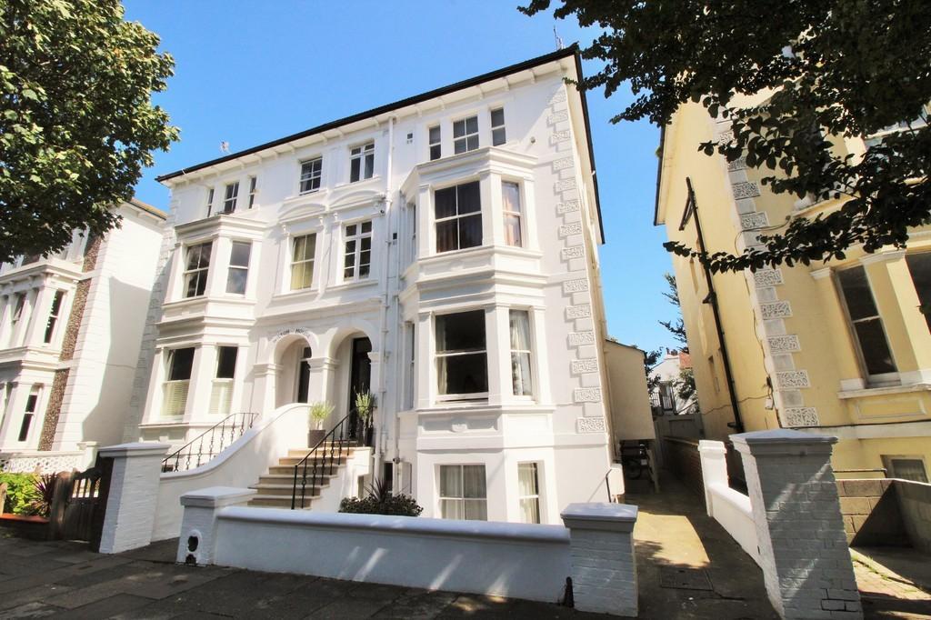 Studio Flat for sale in Ventnor Villas, Hove