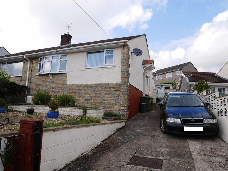 2 Bedrooms Semi Detached Bungalow for sale in Tredegar Close, Llanharan, CF72 9QU