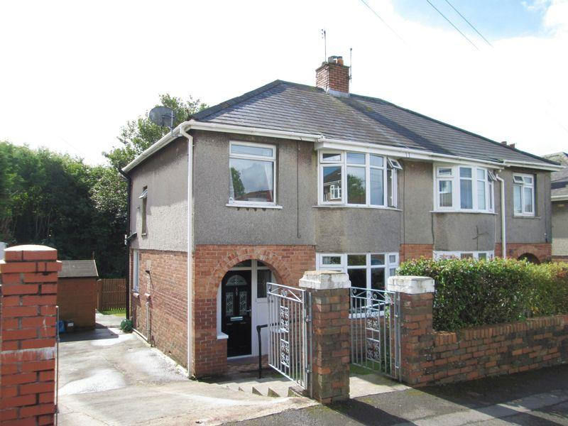 3 Bedrooms Semi Detached House for sale in Fairfield Road Bridgend CF31 3DS