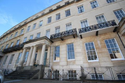 2 bedroom flat to rent - Flat 1, 19 Lansdown Crescent, Cheltenham, GL50 2LF