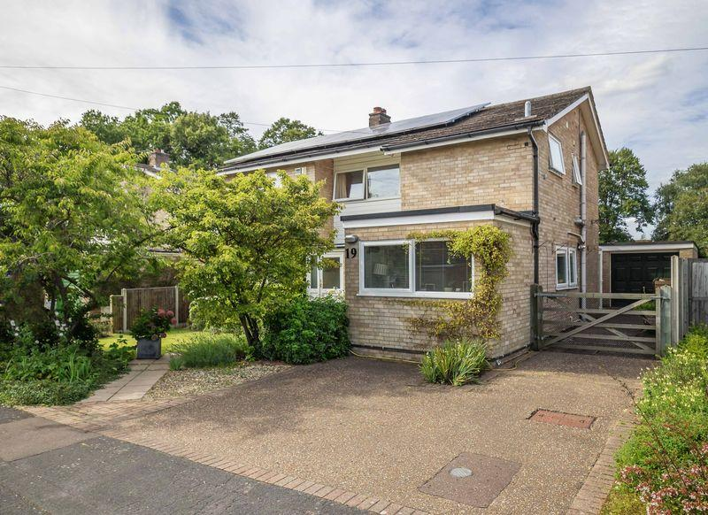 4 Bedrooms Detached House for sale in High Green, Norwich
