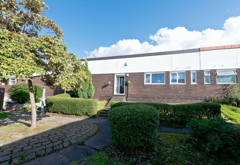 3 Bedrooms Semi Detached Bungalow for sale in Princes Close, Castlefields, Runcorn