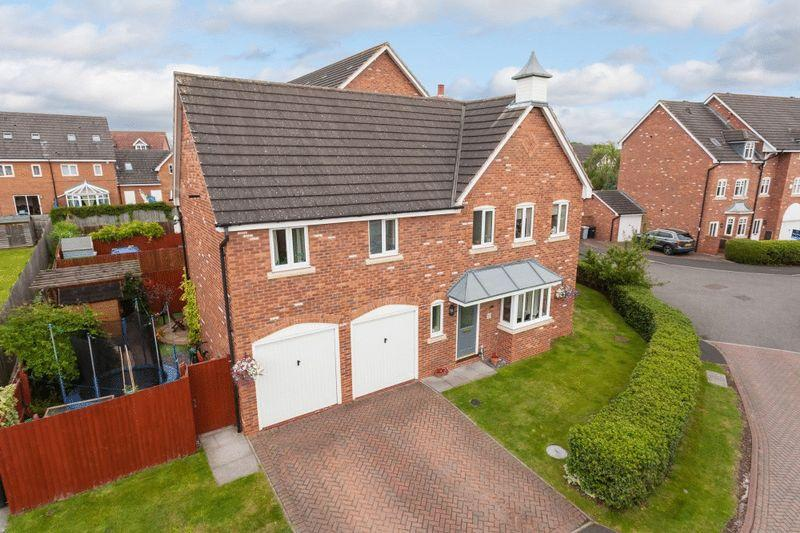 4 Bedrooms Detached House for sale in The Gatehouse Haydn Jones Drive, Stapeley