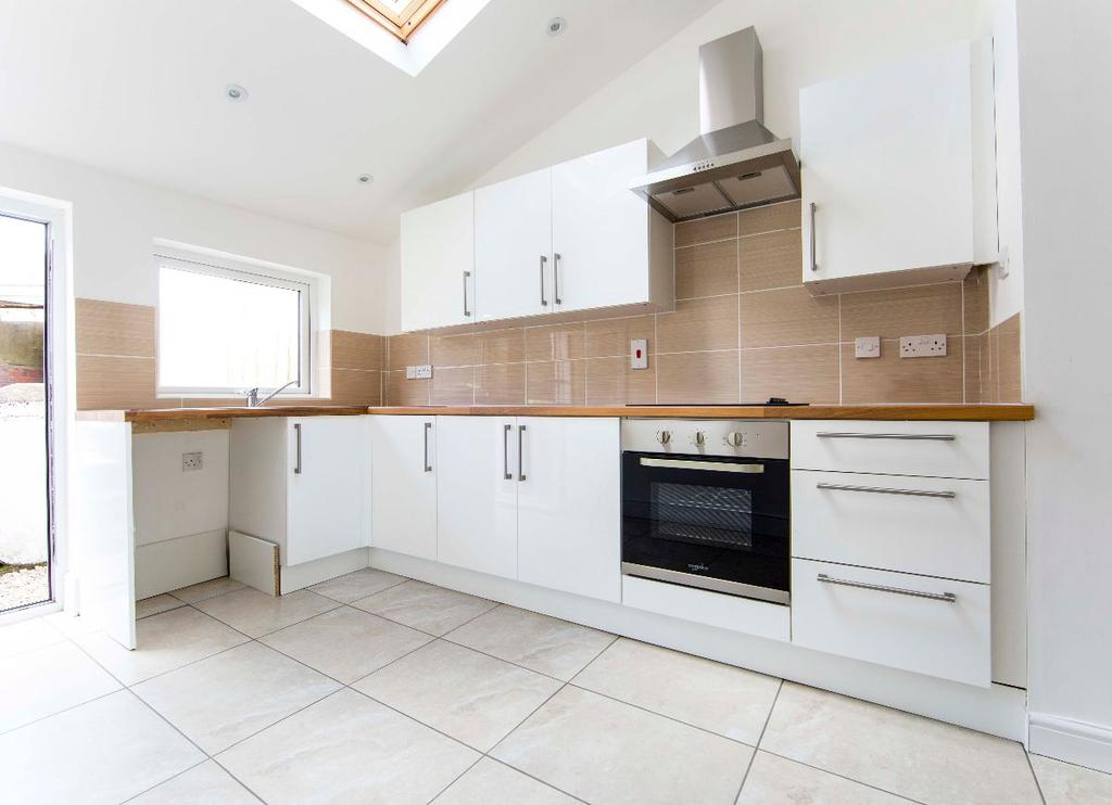 3 Bedrooms Terraced House for sale in Pritchard Street, Treharris,