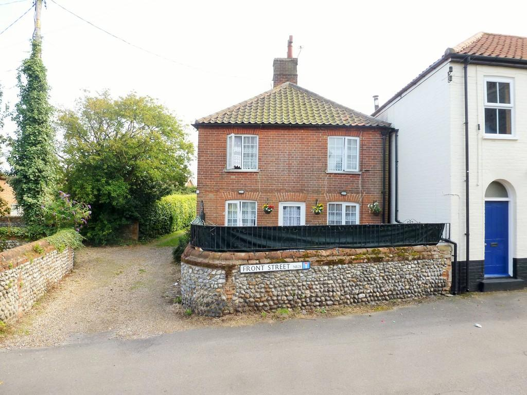2 Bedrooms Cottage House for sale in Trunch