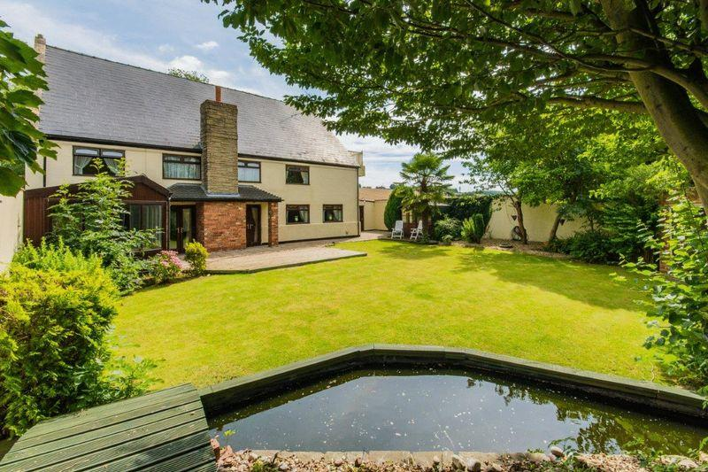 5 Bedrooms Detached House for sale in Kexby Road, Glentworth, DN21