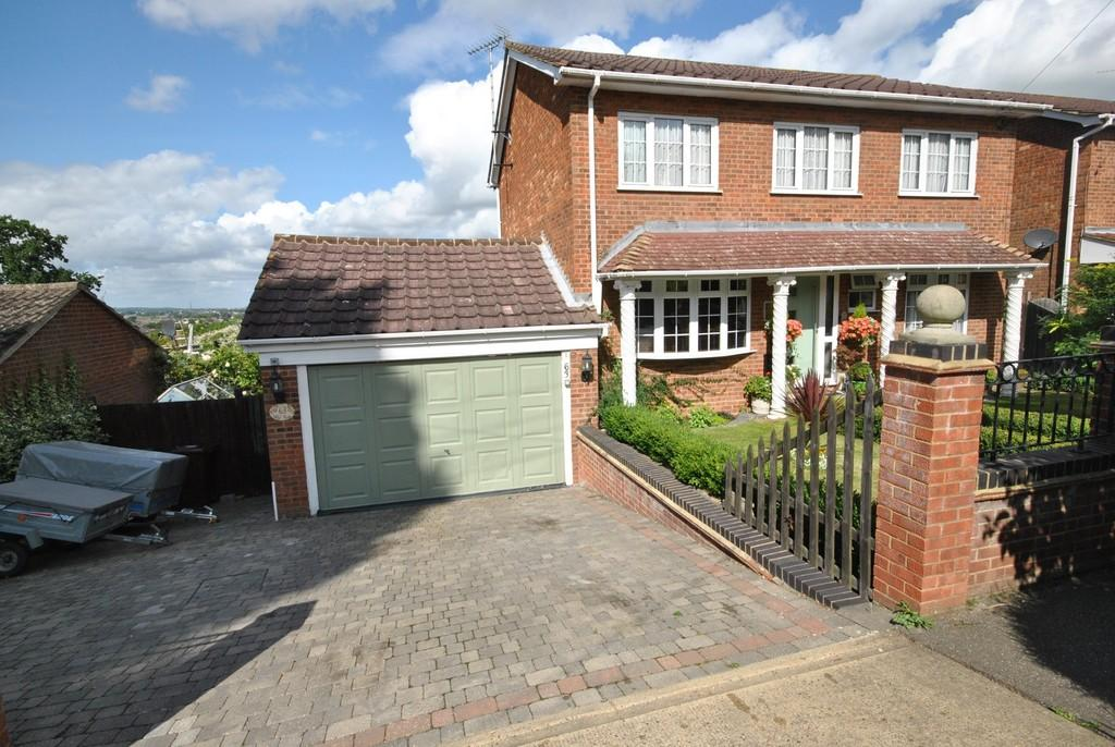 4 Bedrooms Detached House for sale in Rhoda Road North, Benfleet