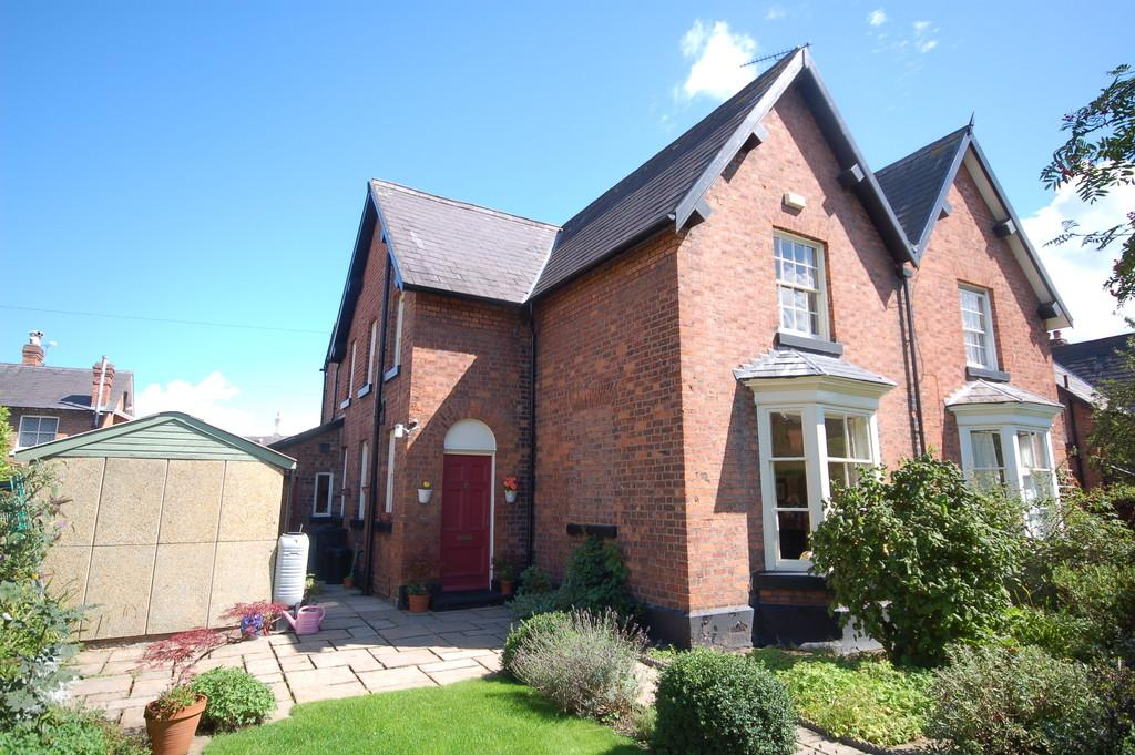 4 Bedrooms Semi Detached House for sale in Victoria Pathway, Queens Park