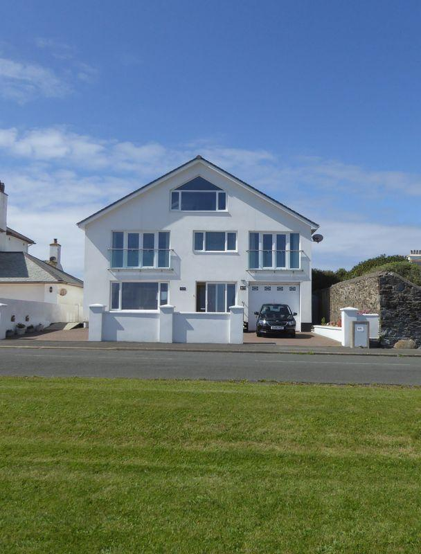 5 Bedrooms Detached House for sale in Clifton Road, Isle Of Man