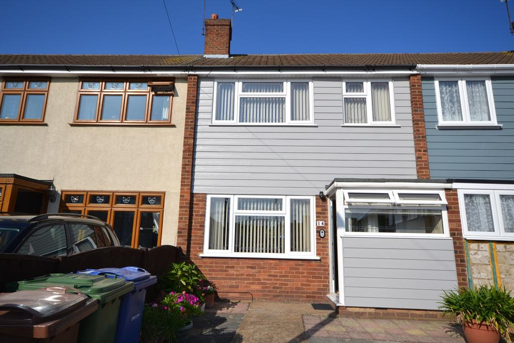 3 Bedrooms Terraced House for sale in Regan Close, Stanford-le-Hope, SS17