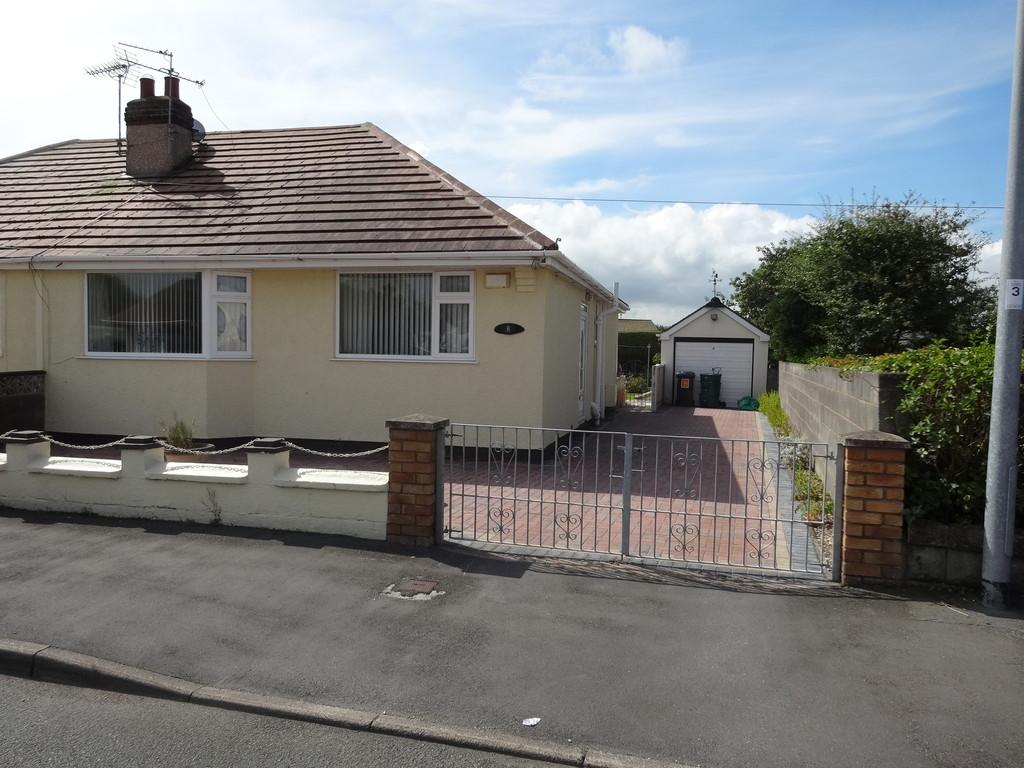 2 Bedrooms Semi Detached Bungalow for sale in Kinmel Bay, Conwy