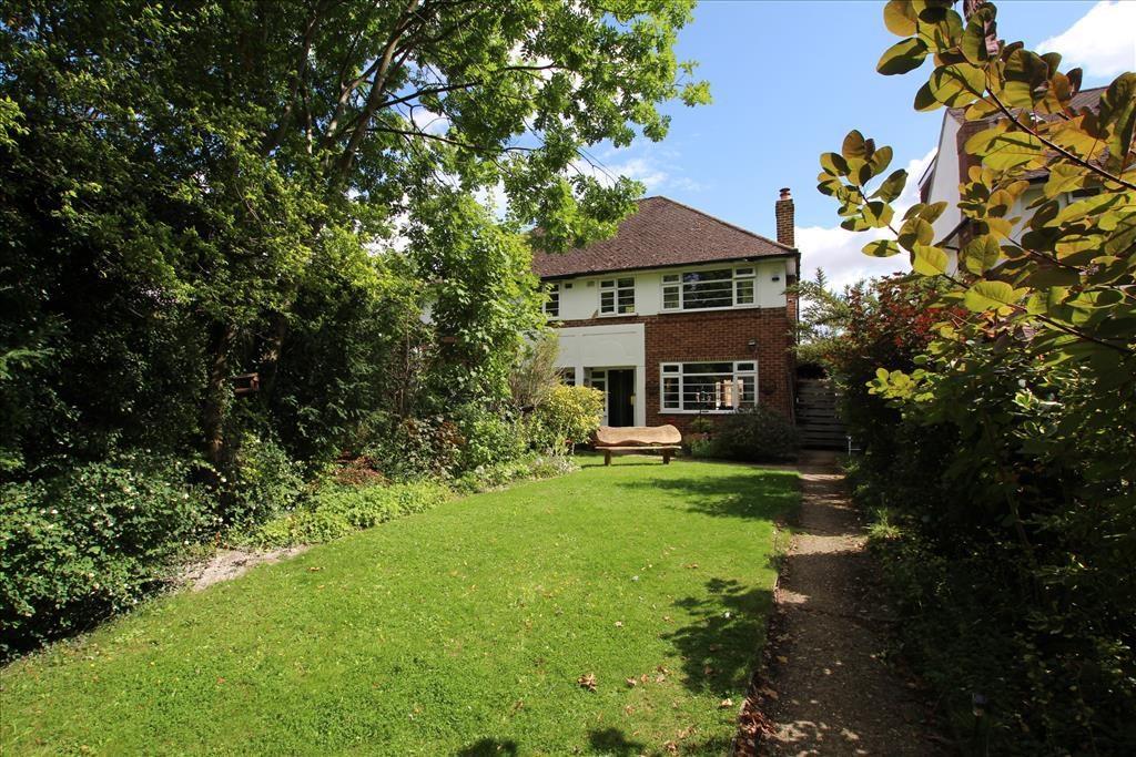 3 Bedrooms Semi Detached House for sale in Weston Way, BALDOCK, SG7