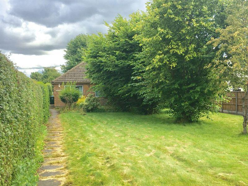 2 Bedrooms Semi Detached Bungalow for sale in Green Lane, Overseal