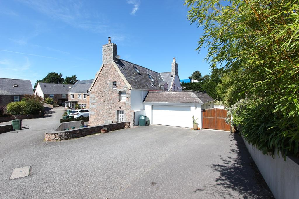 5 Bedrooms Barn Conversion Character Property for sale in La Rue du Rondin, St Mary, Jersey, JE3