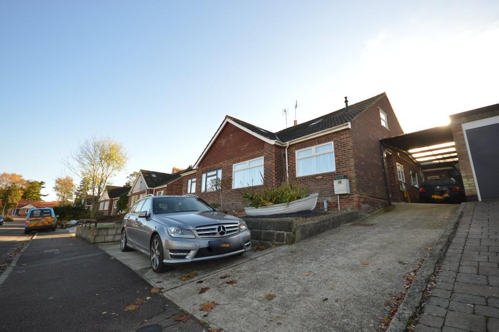 3 Bedrooms Chalet House for sale in Hillview Close, Rowhedge