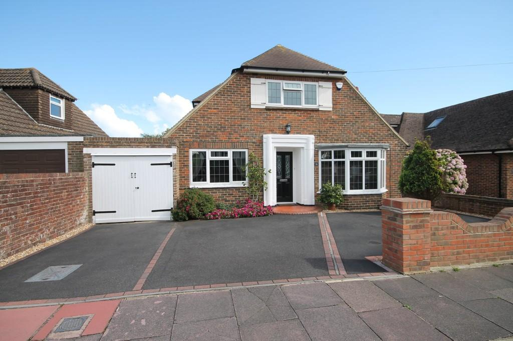 3 Bedrooms Chalet House for sale in Smugglers Walk, Goring-By-Sea BN12 4DP
