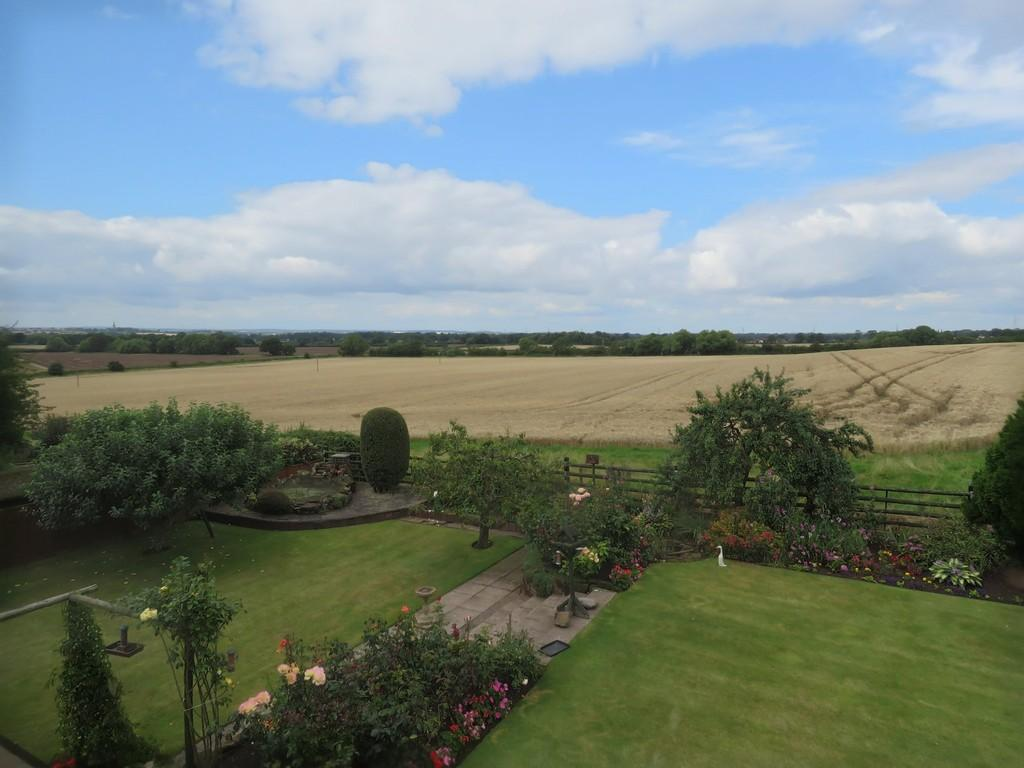 4 Bedrooms Detached House for sale in Church Lane, Maxstoke