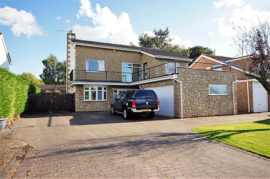 4 Bedrooms Detached House for sale in Sibthorpe Drive, Sudbrooke, Lincoln
