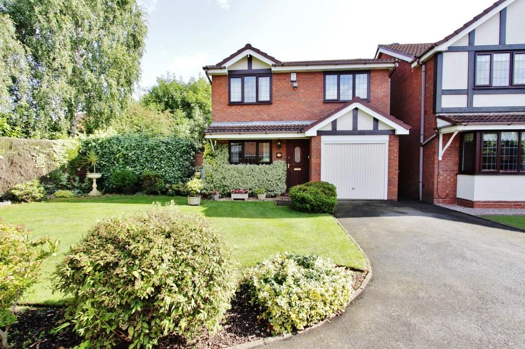 3 Bedrooms Detached House for sale in Cumberland Drive, Fazeley