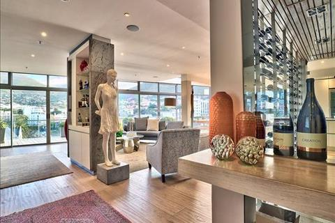 3 bedroom penthouse  - Gardens, Cape Town