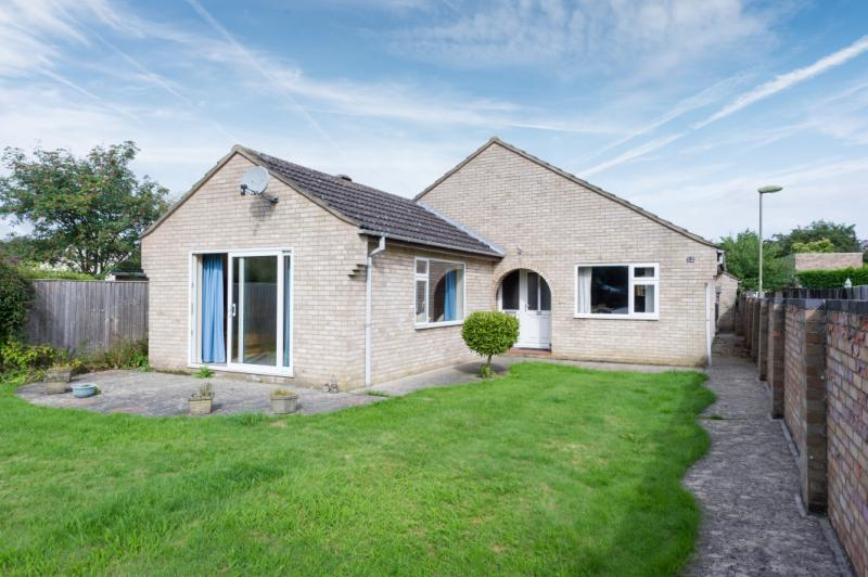 3 Bedrooms Detached Bungalow for sale in Hardwick Avenue, Kidlington, Oxfordshire
