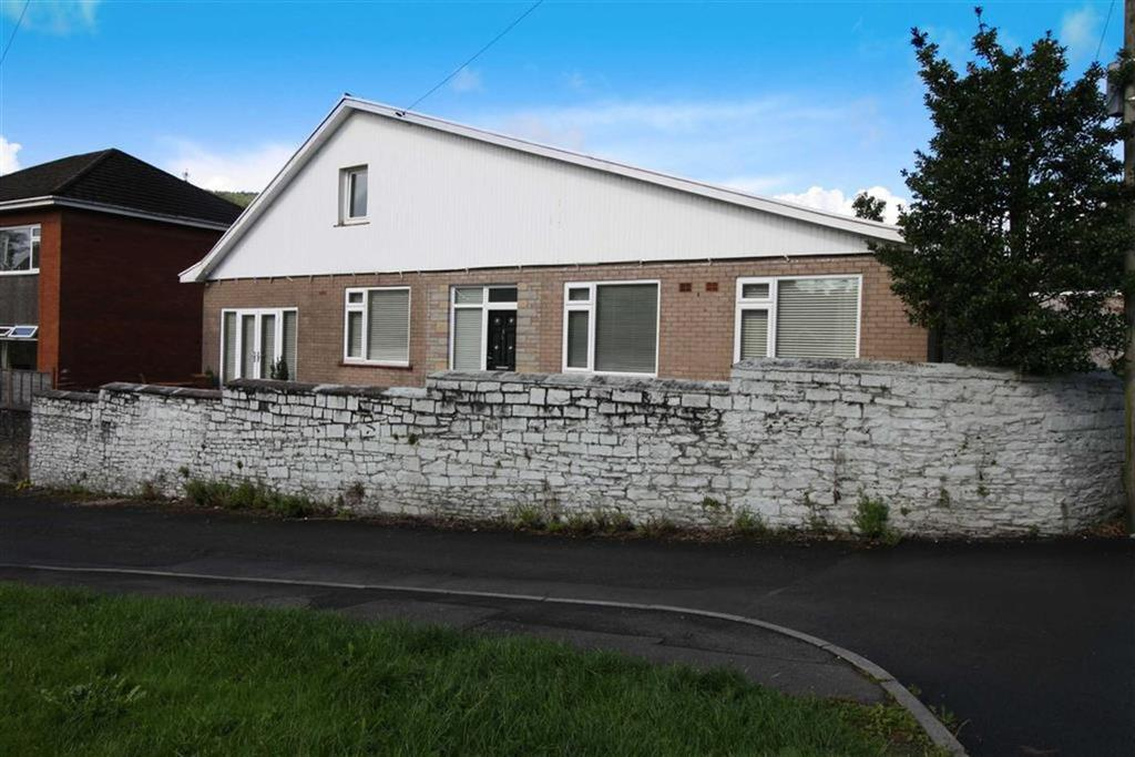 3 Bedrooms Detached Bungalow for sale in Dunraven Court, Mountain Ash, Mid Glamorgan