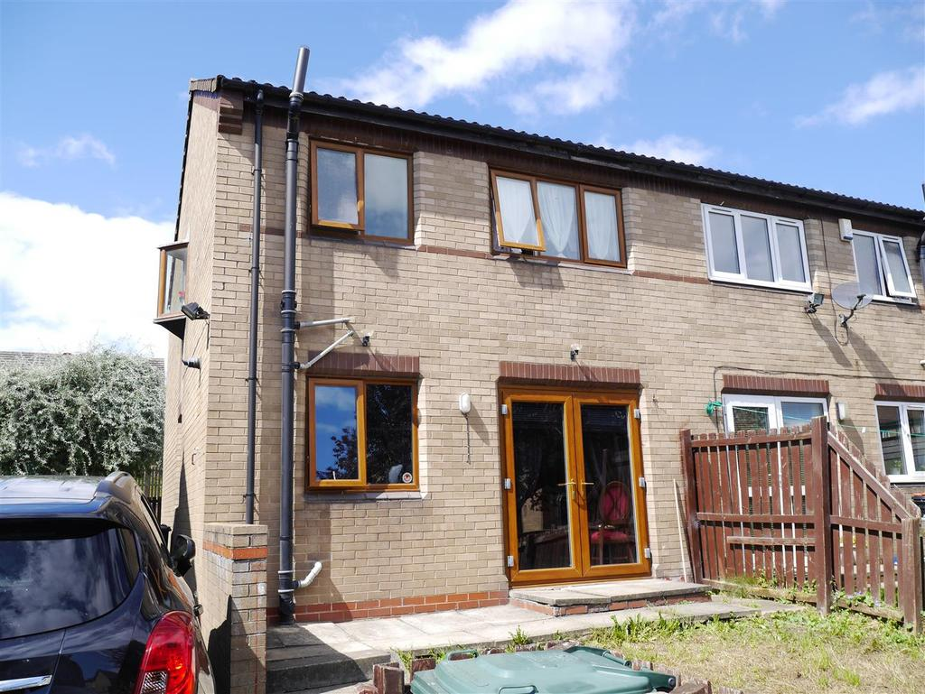 3 Bedrooms Semi Detached House for sale in Ferrand Avenue, Bierley, BD4 6LD