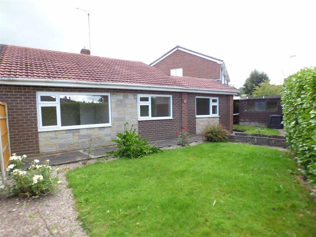 3 Bedrooms Semi Detached Bungalow for sale in 27, Trent Close, Cheadle