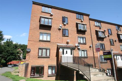 Studio to rent - Buckland Hill, Maidstone