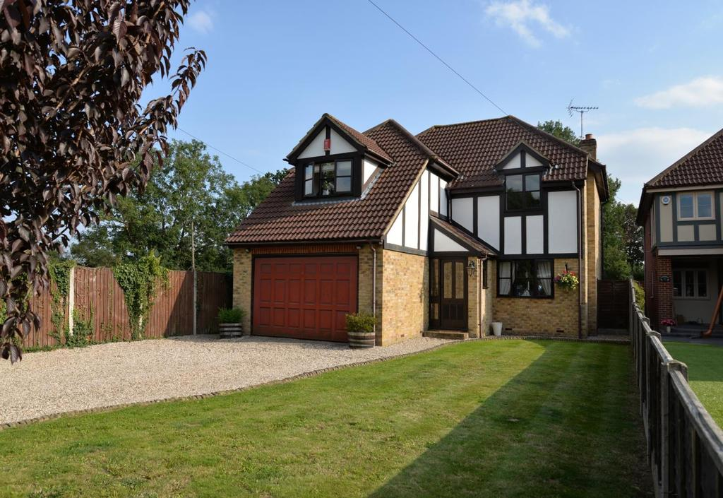 4 Bedrooms Detached House for sale in Southlands Road, Crays Hill, Billericay, Essex, CM11
