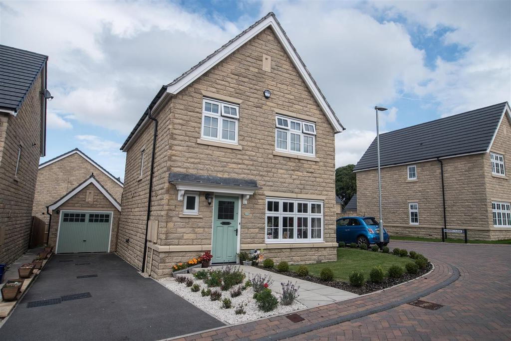 3 Bedrooms Detached House for sale in Emley View, Skelmanthorpe, Huddersfield