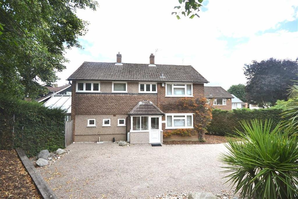 4 Bedrooms Detached House for sale in Kendal Avenue, Epping, Essex, CM16