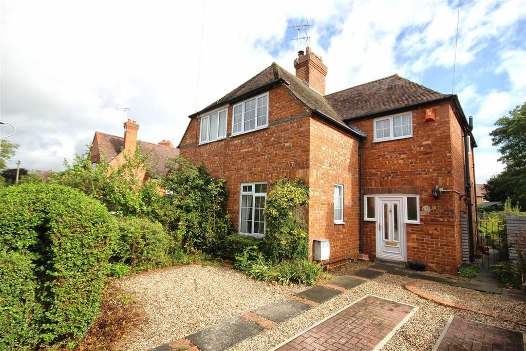 3 Bedrooms Semi Detached House for sale in Shakespeare Road, St Marks, Cheltenham, GL51