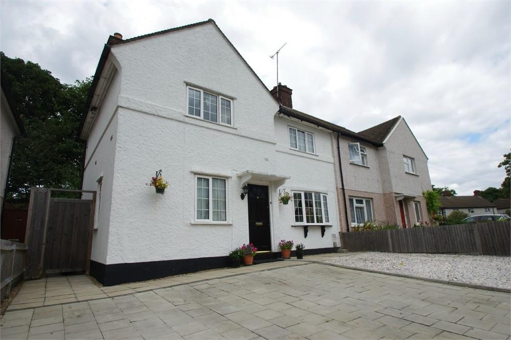 3 Bedrooms Semi Detached House for sale in Woodside, WATFORD, Hertfordshire