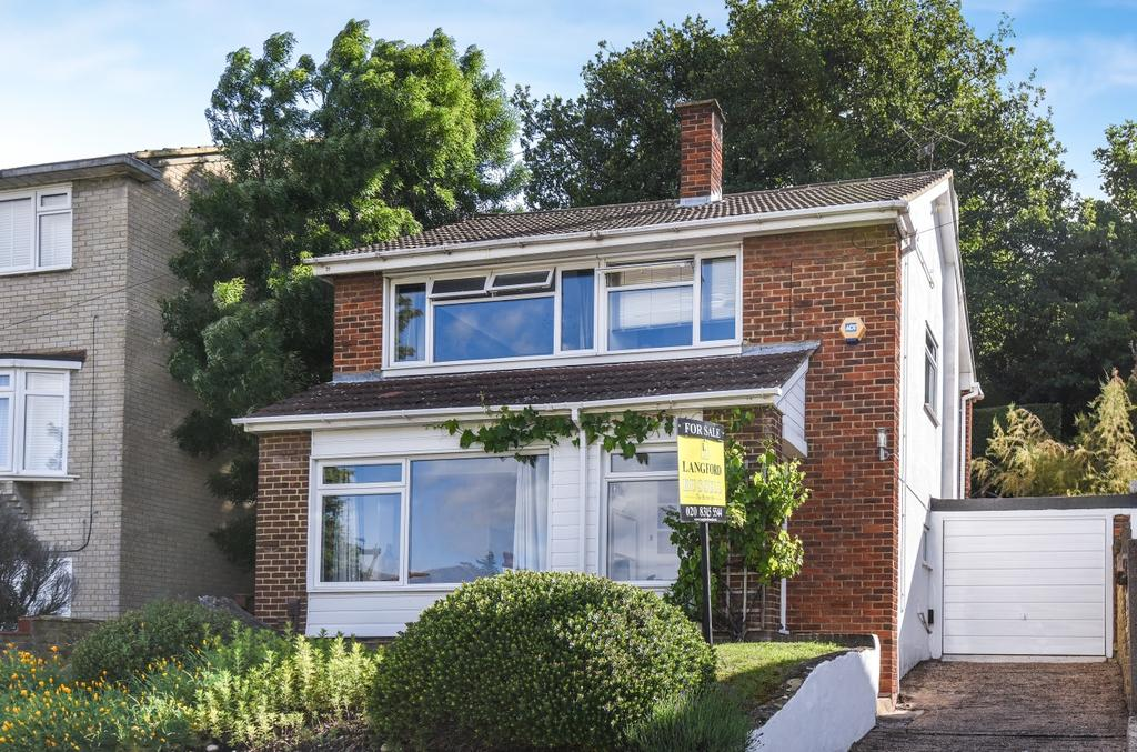 3 Bedrooms Link Detached House for sale in Madeira Avenue Bromley BR1