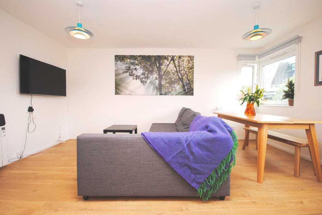 1 Bedroom Flat for sale in Loughborough Park Stockwell SW9