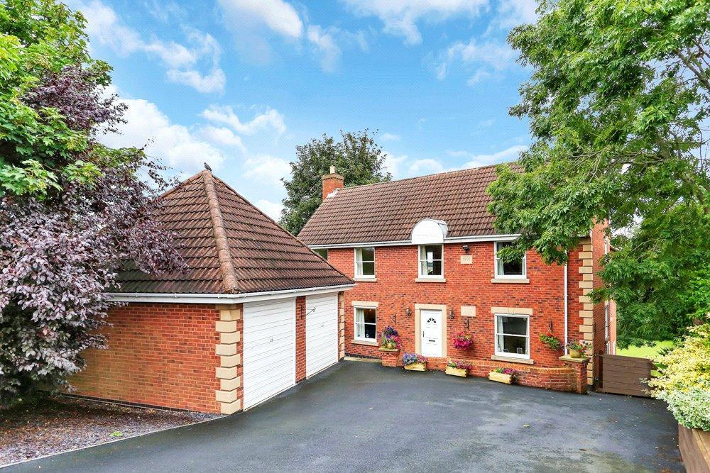 4 Bedrooms Detached House for sale in Castle Gresley, Swadlincote, Derbyshire