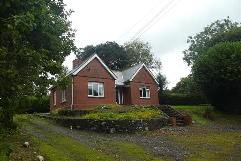 2 bedroom property with land for sale - Gwyddgrug, Pencader