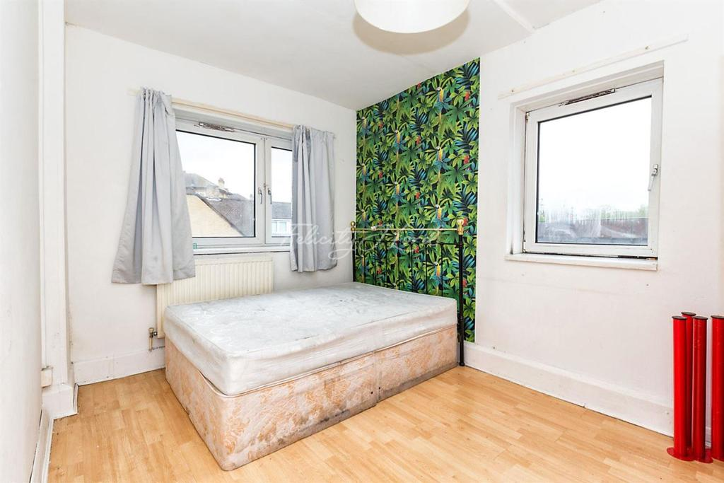2 Bedrooms Flat for sale in Hadleigh House E1
