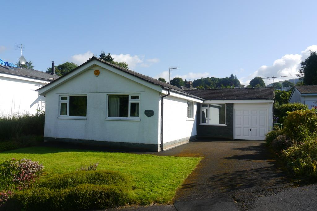 3 Bedrooms Detached Bungalow for sale in 19 Loughrigg Park, Ambleside LA22 0DY