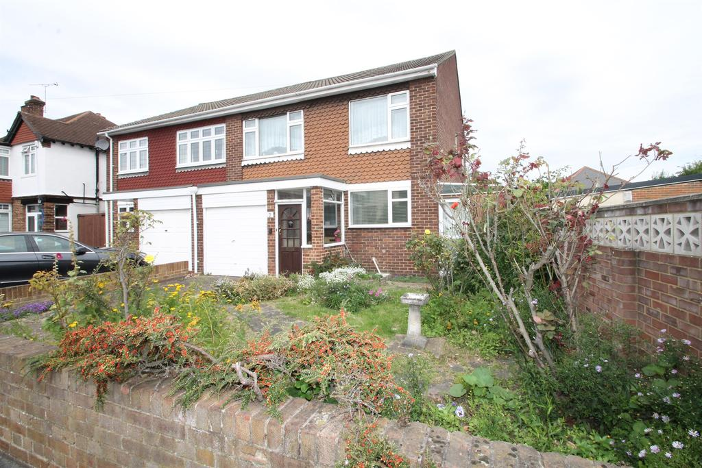 3 Bedrooms Semi Detached House for sale in Sydney Road, Bexleyheath, Kent, DA6 8HG
