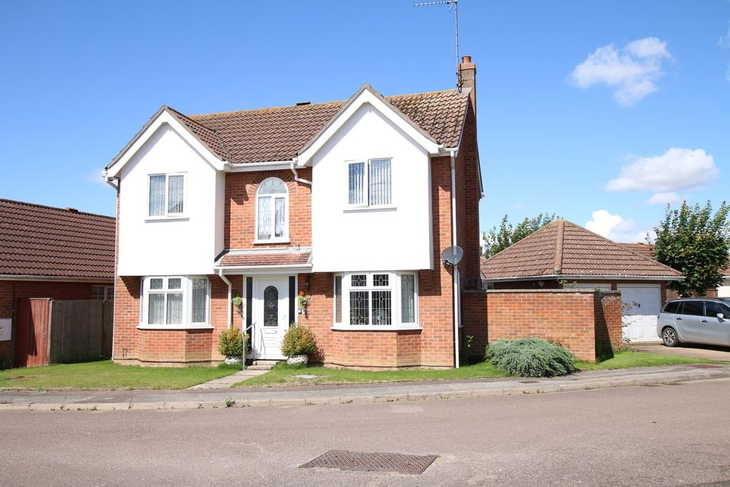 4 Bedrooms Detached House for sale in Kestrel Drive, Wisbech