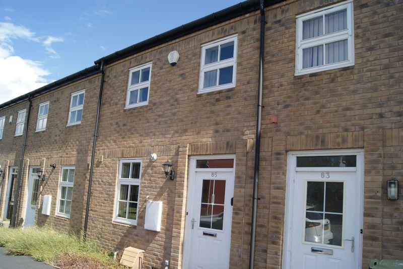 2 Bedrooms Terraced House for sale in Littlelands, Bingley