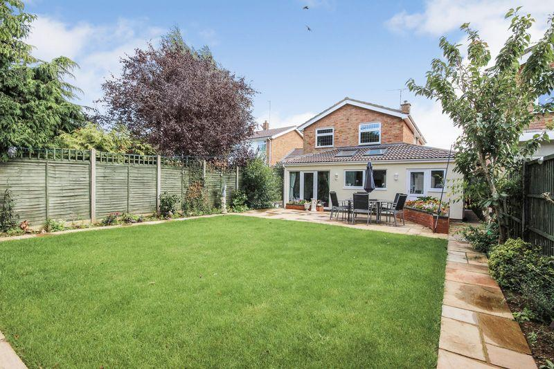 3 Bedrooms Detached House for sale in Dearmans Close, Clophill