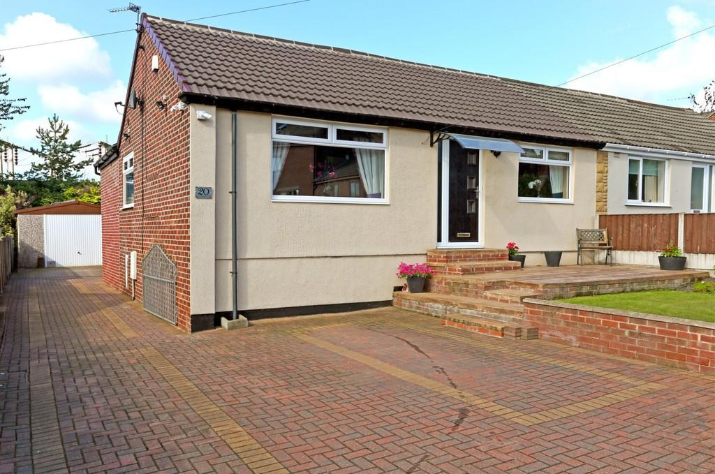 3 Bedrooms Semi Detached Bungalow for sale in Ouchthorpe Lane, Outwood