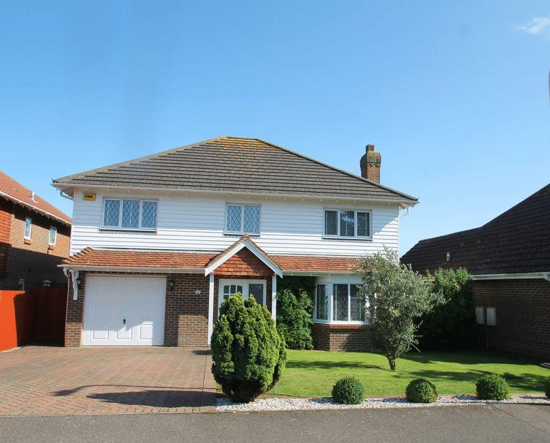 5 Bedrooms Detached House for sale in 4 Harvest Way, Hawkinge, FOLKESTONE